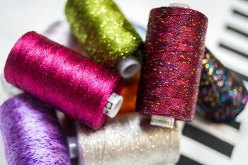Wonderfil Dazzle 8wt Rayon/Metallic Thread