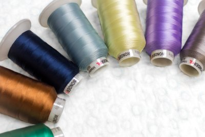 Wonderfil Master Quilter 3-Ply 40wt Polyester